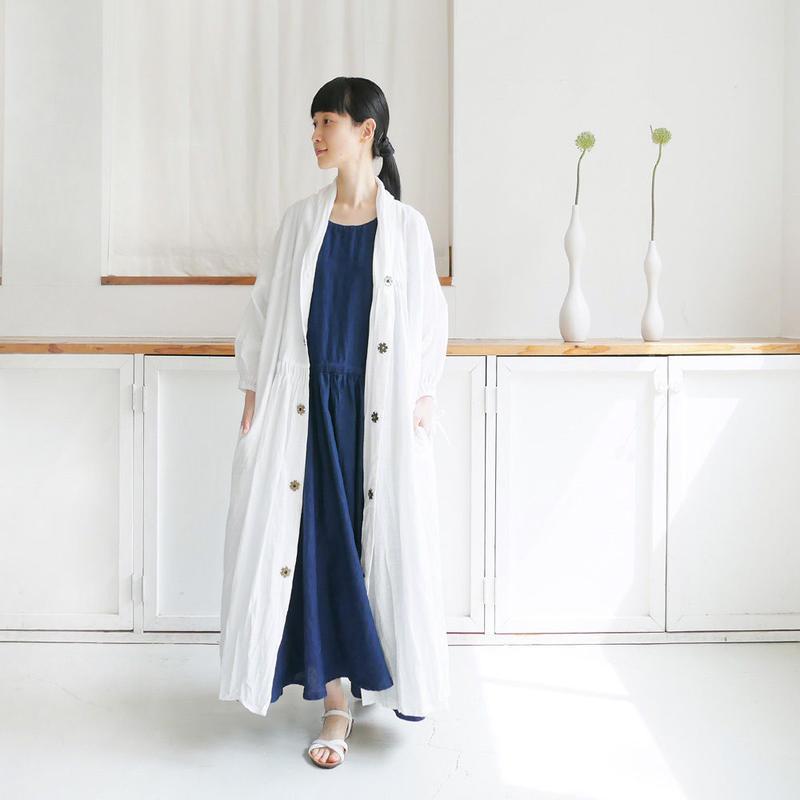 K|Kurume Kasuri Kenkyusya|ショールカラーピンタックワンピコート|WHITE