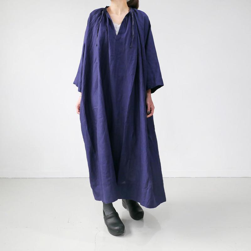 UNIVERSAL TISSU|ユニヴァーサルティシュ|フレンチリネン monastery uniform one piece | NAVY