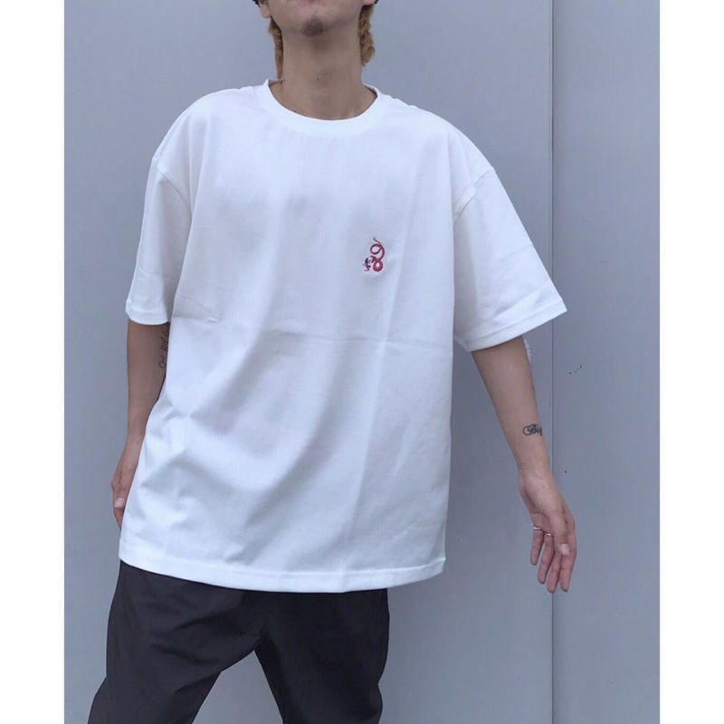 SON OF THE CHEESE「neon  queen EMB TEE」
