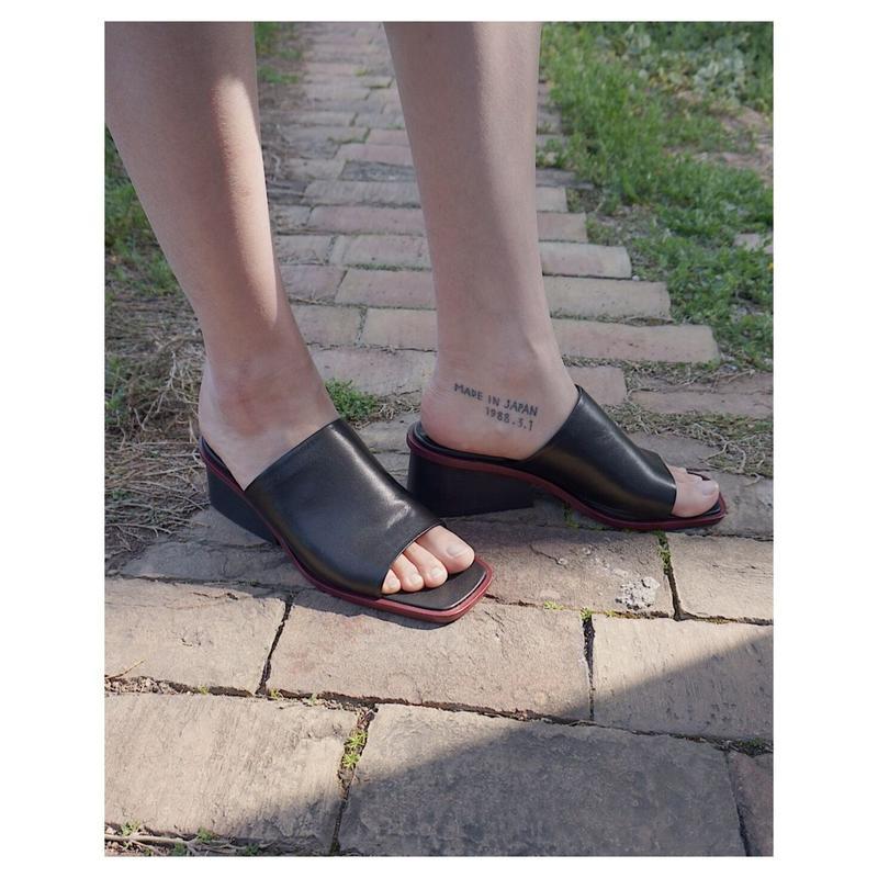 THE Dallas「over sandals」