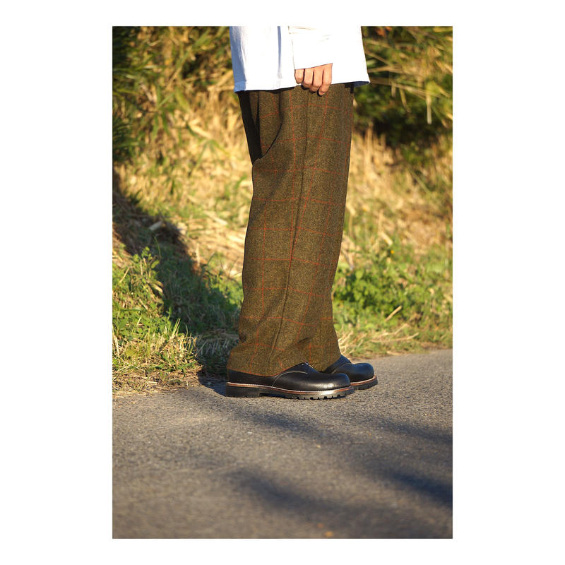 COMFORTABLE  REASON「British Wool 2tacks Slacks」