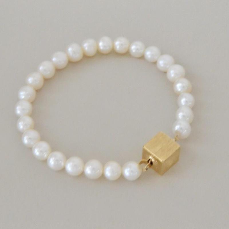 Pave (pearl  bracelet /gold color clasp)