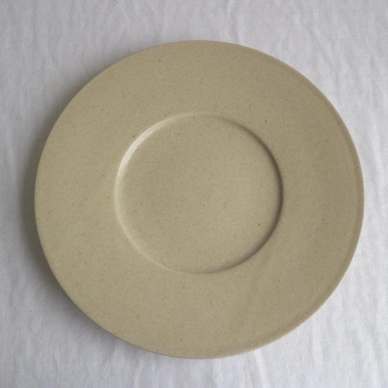 リム皿太7寸ベージュ / こいずみみゆき