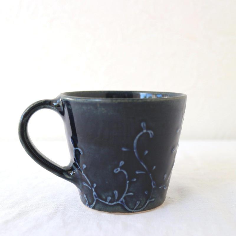 マグカップ 紺色/ 豊田雅代