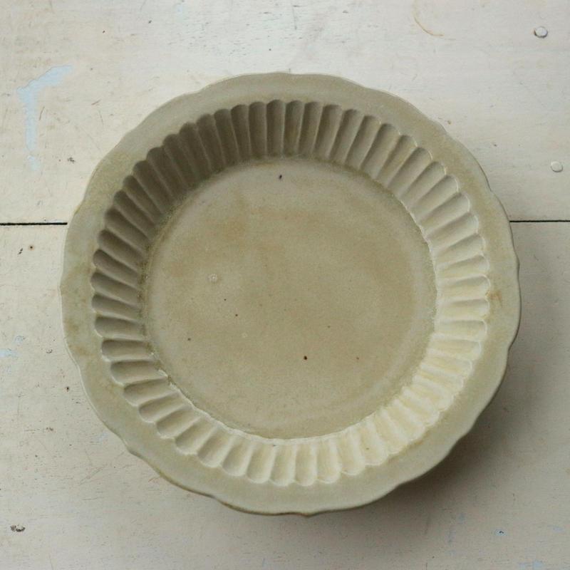 7寸深皿・アイボリー(濃)/   マルヤマウエア