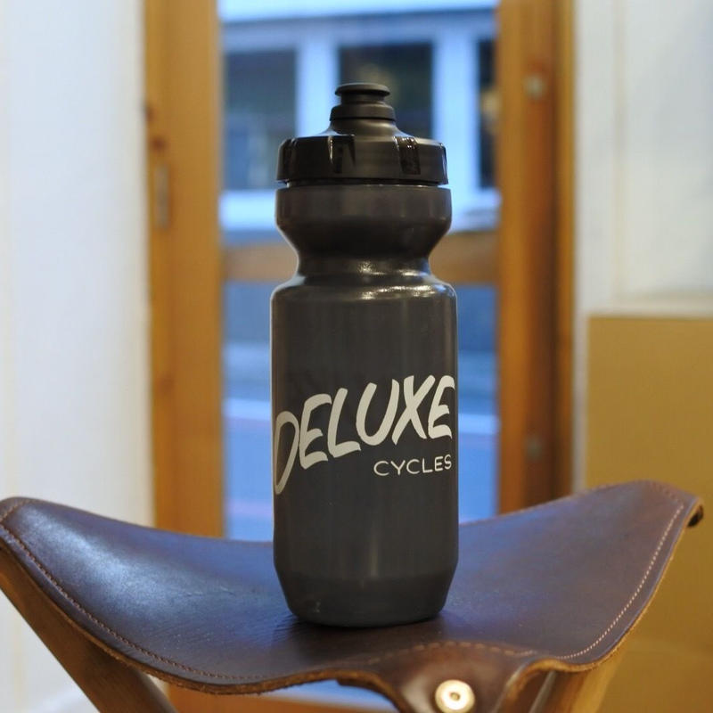 """DELUXE CYCLES"" Casual Hand Water Bottle"