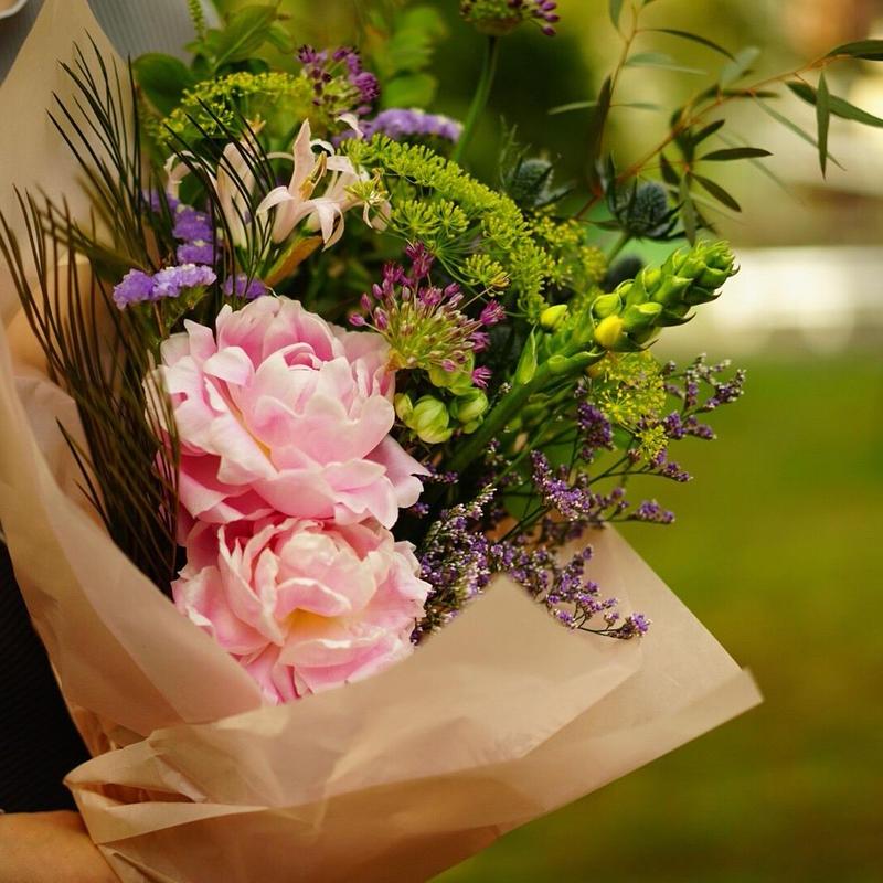 【5月18日(土)お届け】LATE MOTHER'S DAY「芍薬のブーケ」