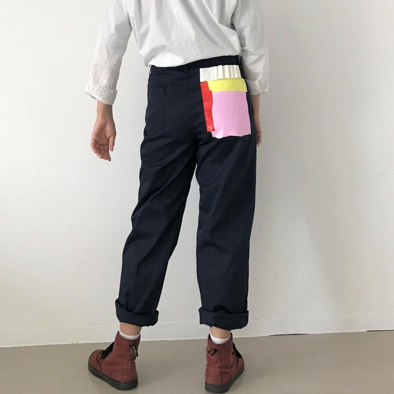 【zaziquo】ポケットプリントセンタープレスパンツ(ネイビー)