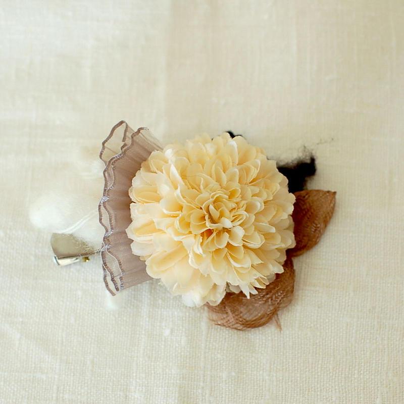 マムのコサージュ(アート・ivory-1)