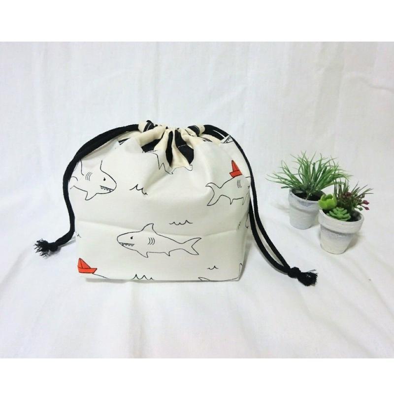 お弁当袋(サメ・黒ボーダー)