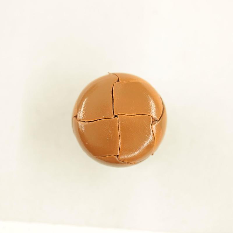 革ボタン(200-21-43) 21㎜  1個