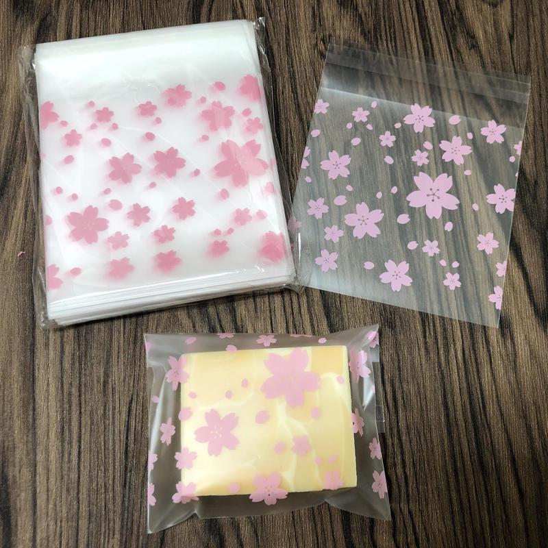 ラッピング用シール付きビニール袋100枚(10cmx10cm)
