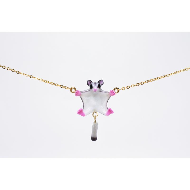 飛ぶフクロモモンガネックレス プラチナ(グレー)(チェーン約55cm)