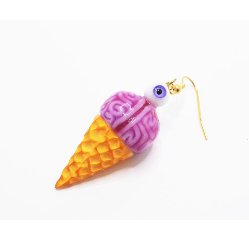 脳みそアイスクリームピアス 目玉トッピング(片耳)(イヤリング交換可能)