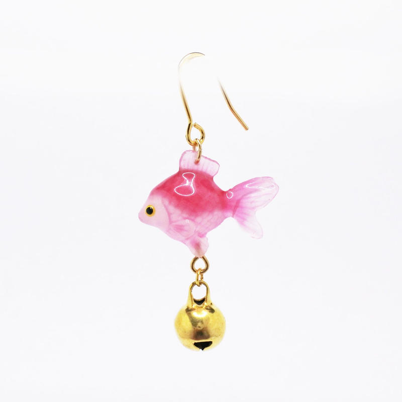金魚ピアス ぶら下がりタイプ(片耳)  (イヤリング交換可能)  ピンク金鈴