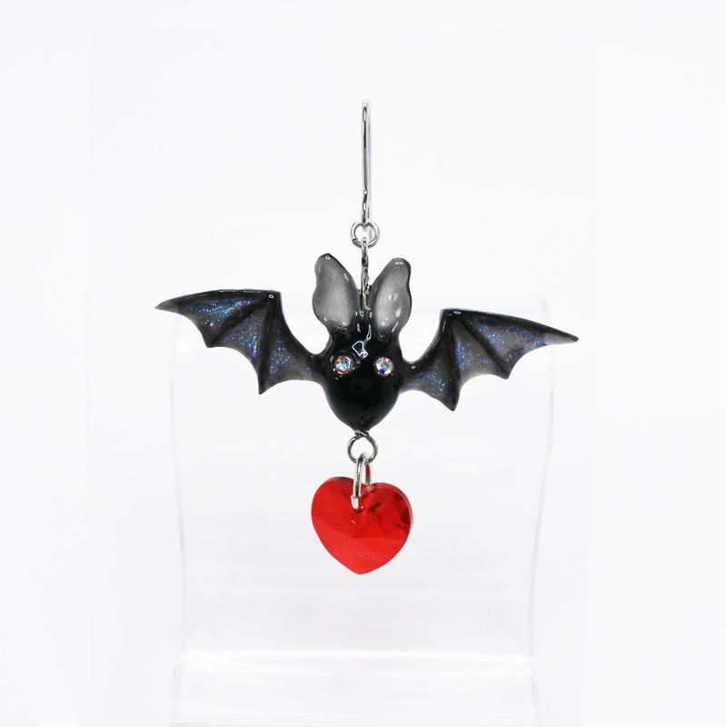 Batピアス 黒(イヤリング交換可能)  (片耳)
