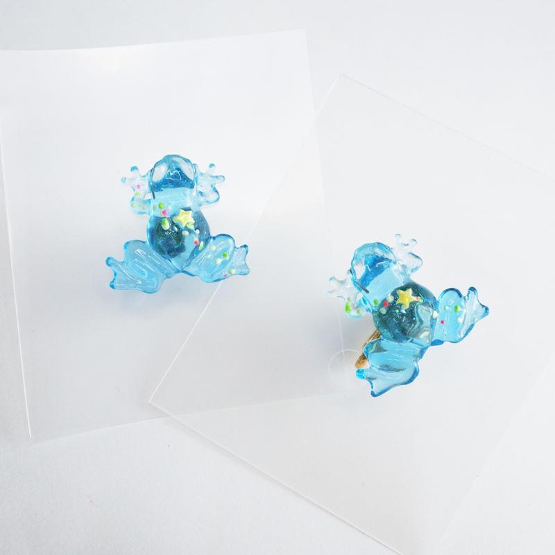 kaeruピアス/イヤリング(片耳) 透明  天の川 蓄光 水色