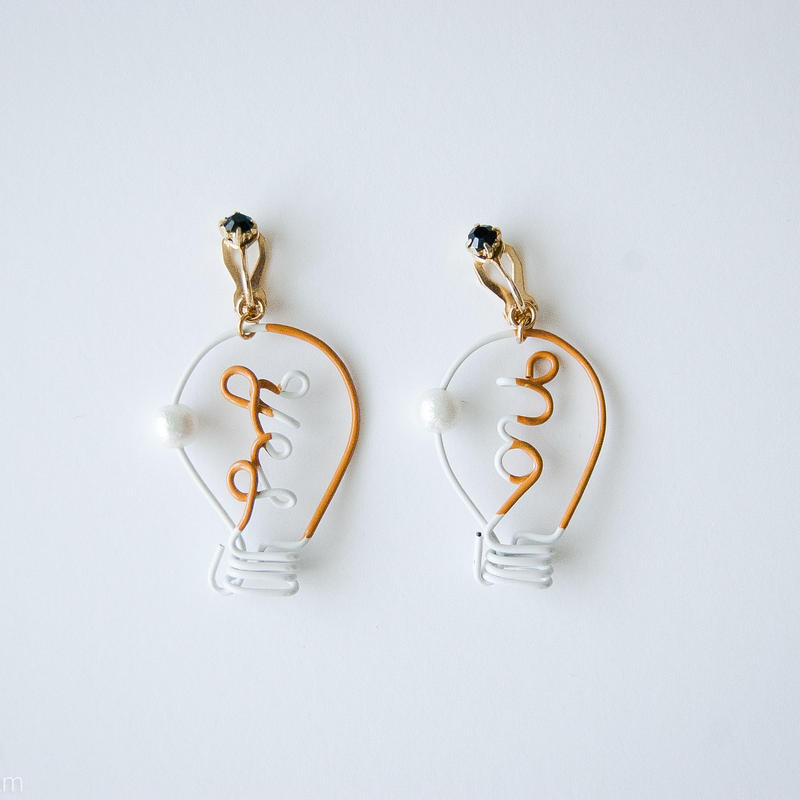 Arty Wire Pierced Earrings  -yes no bulbs  EARRING  / DARK YELLOW