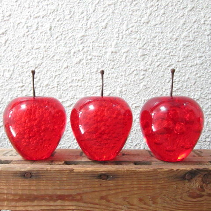 APPLE PAPERWEIGHT / Red