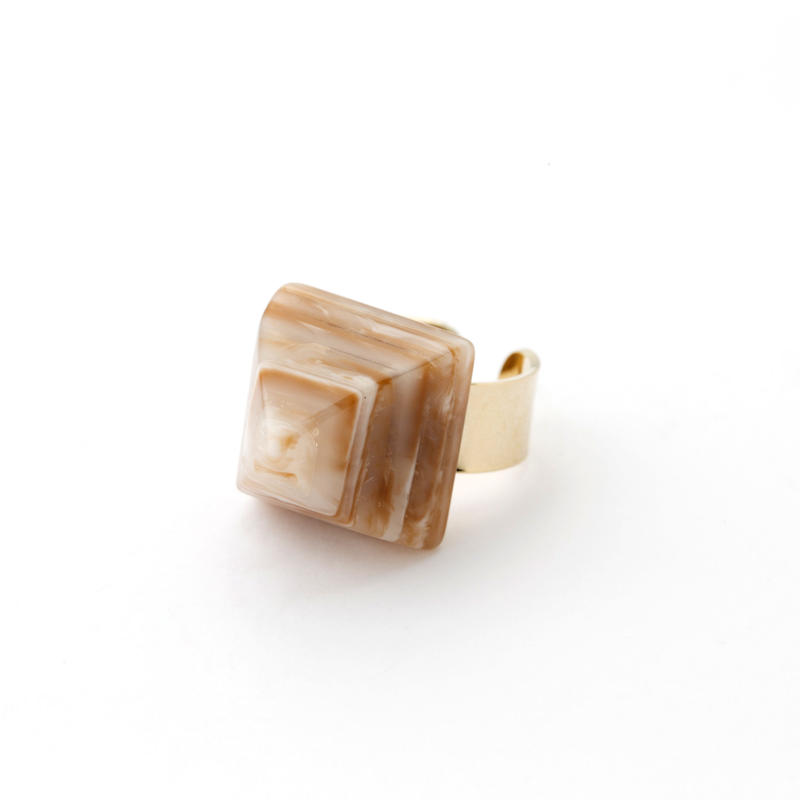 Pyramid Ring(Marble Camel)