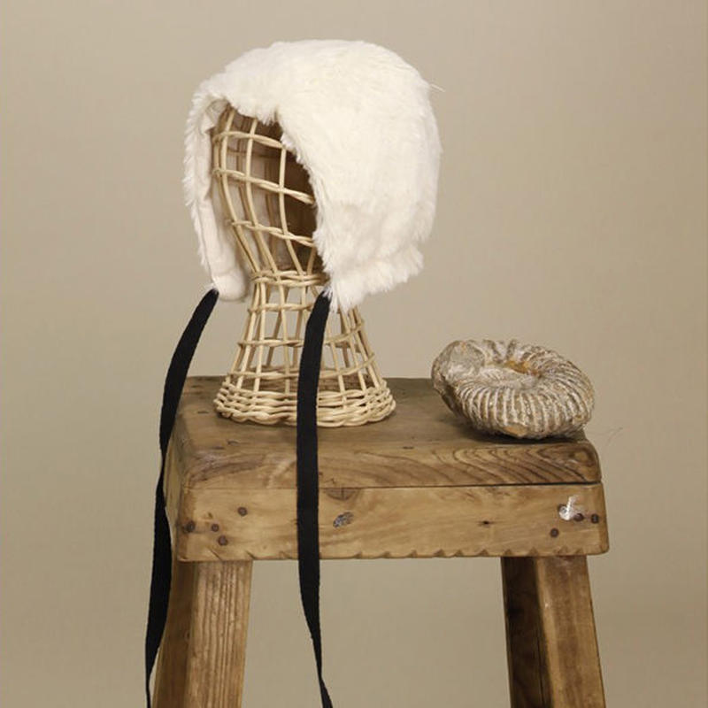 little creative factory / Snow Bonnet