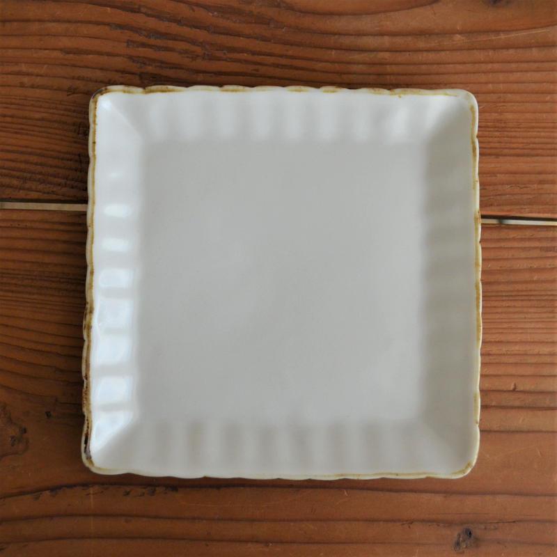 田屋道子 角皿 白