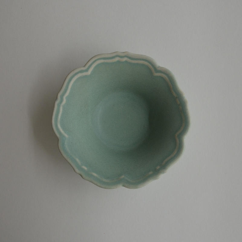 Awabi ware 輪花小鉢 青磁