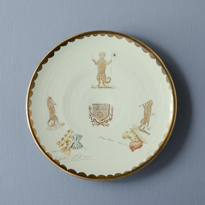 ネコの指揮者のケーキ皿