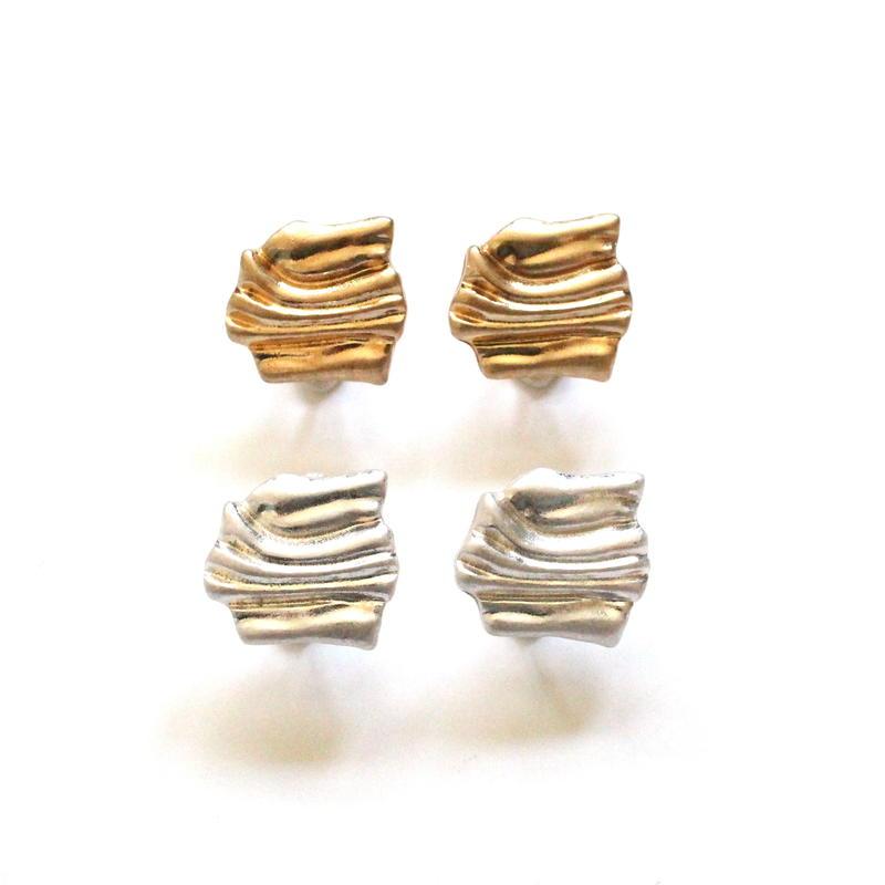 Wavelet Plate earring