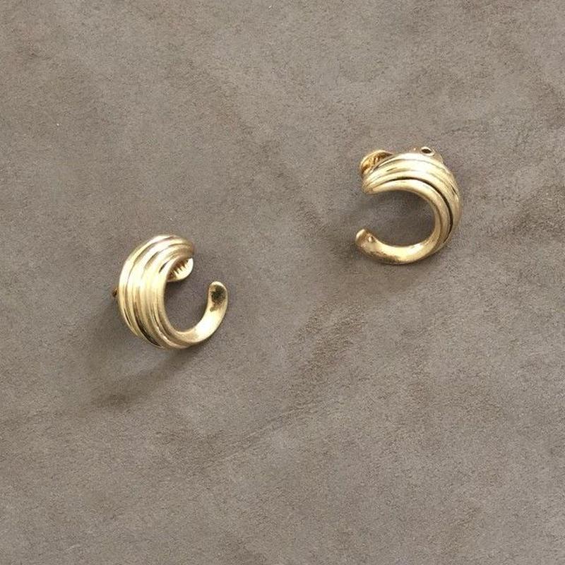 Vintage Like Mini Circle earring