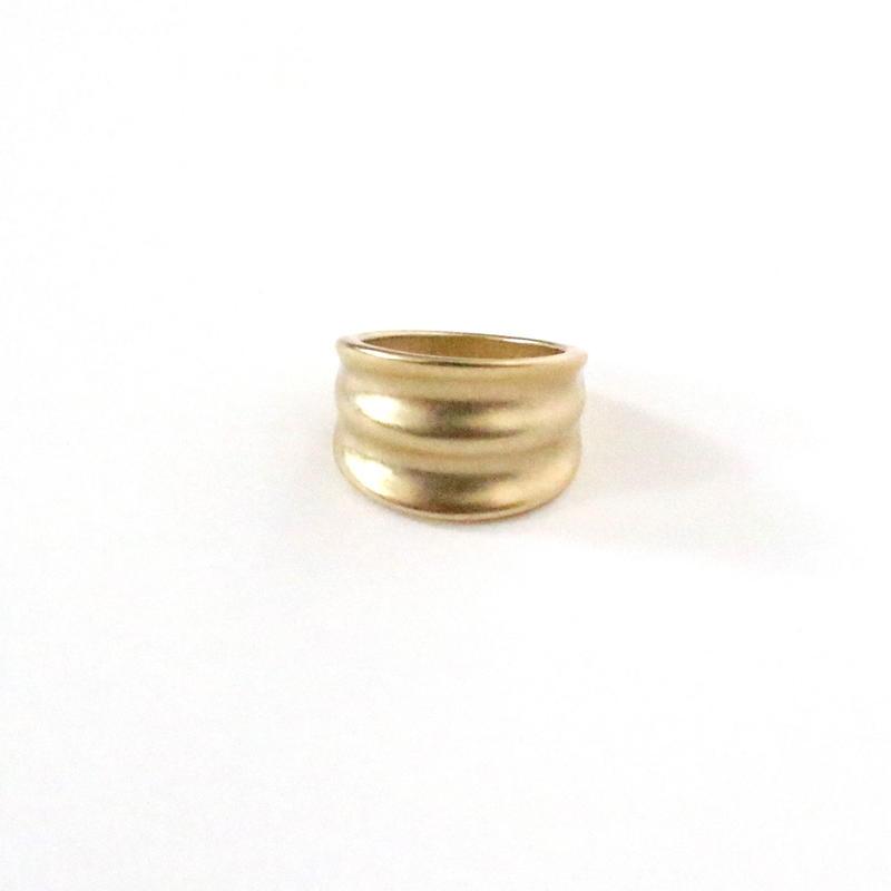 Wavy Gold ring