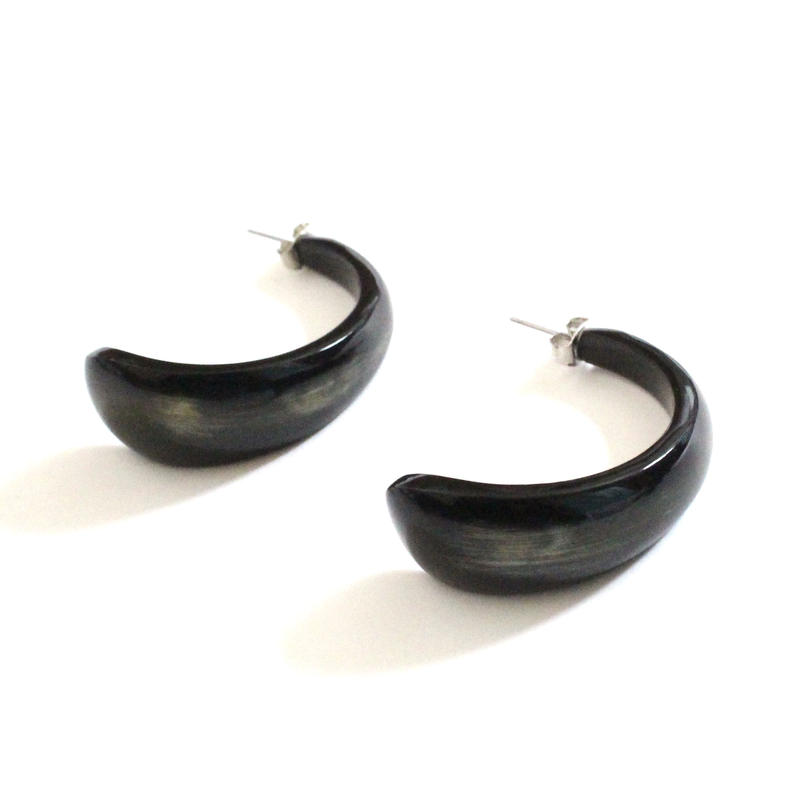 Buffalo Horn Curve pierce
