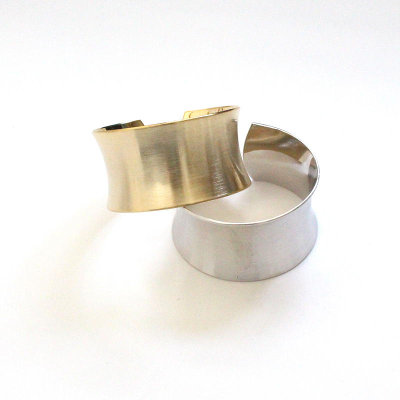 Wide Curve Plate  bangle