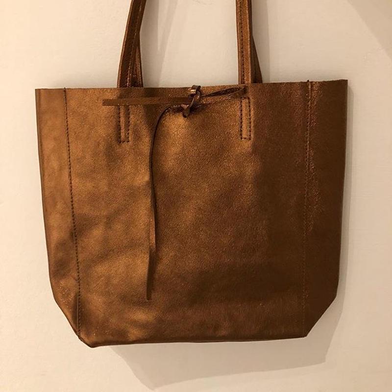 Italian Leather shiny metallic tote bag      イタリアンレザーメタリック シャイニートートバッグ  M サイズ