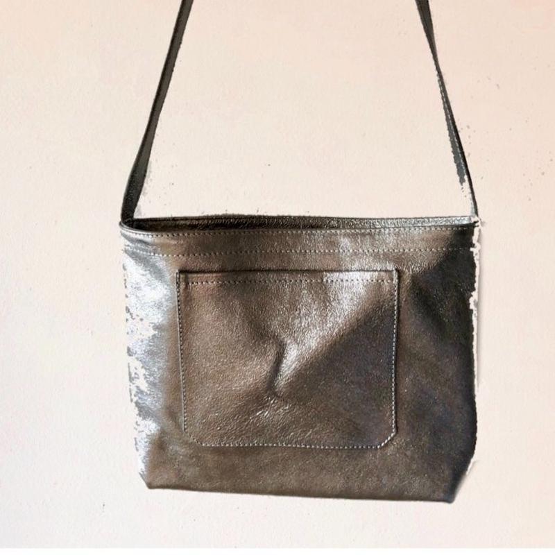 イタリアンレザー サコッシュ Silver Itarian leather pochette