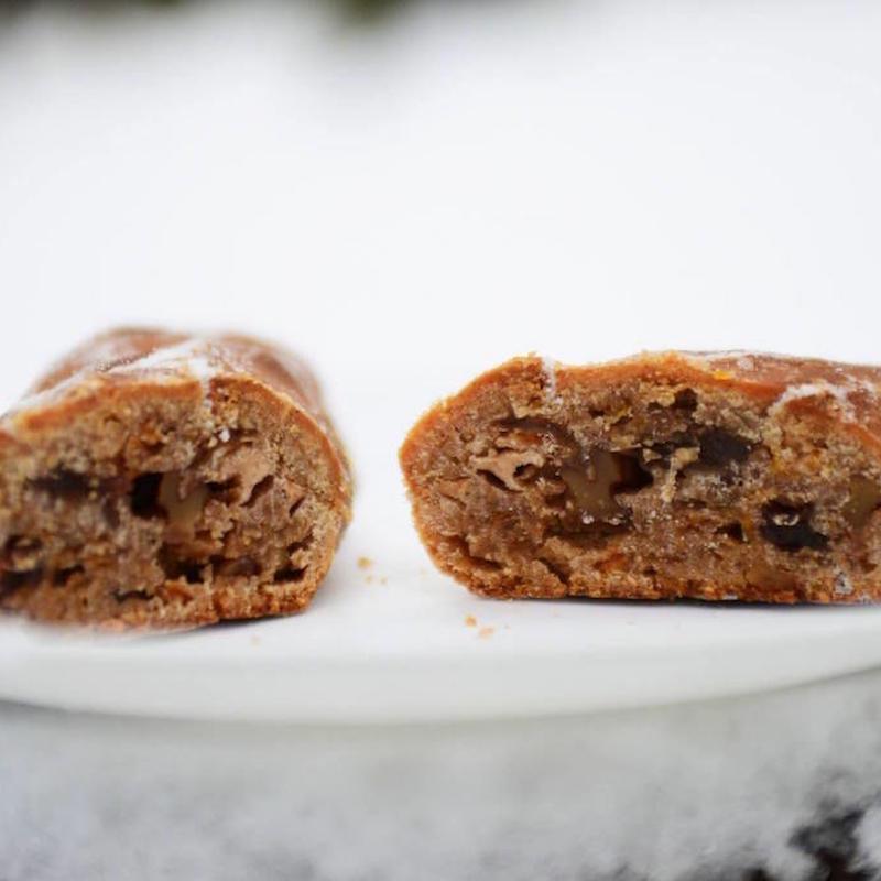 クリスマスの和菓子(シュトレン)