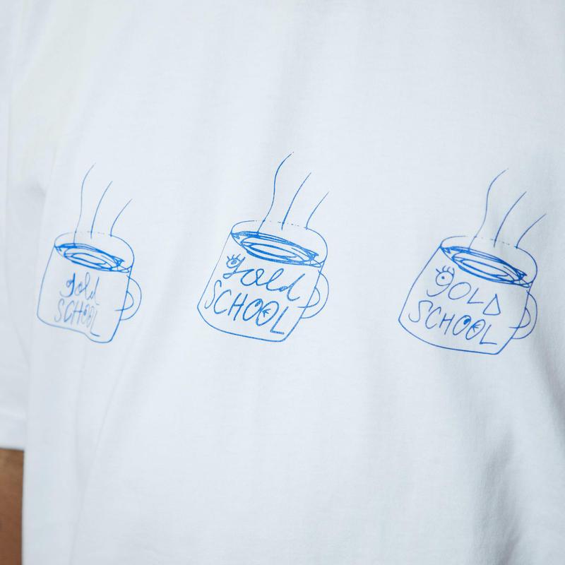 gold school coffe break t shirt