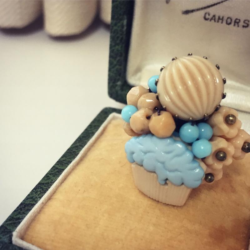 一点もの ブルーのカップケーキリング