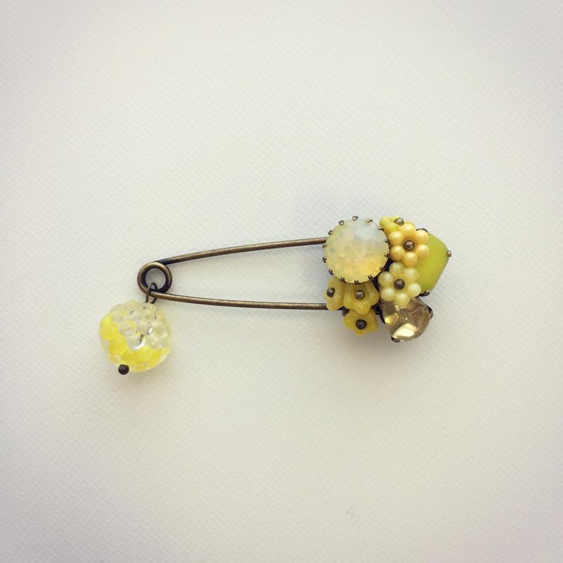 ストールピン 黄色のお花