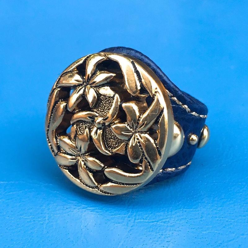 ★新作★ Leather Ring (フラワーブルーミング)