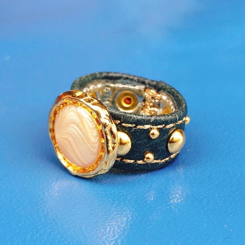 ★新作★ Leather Ring (パーリーゴールディー)