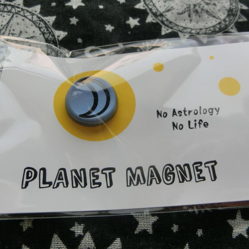 惑星マグネット 02月 18mm