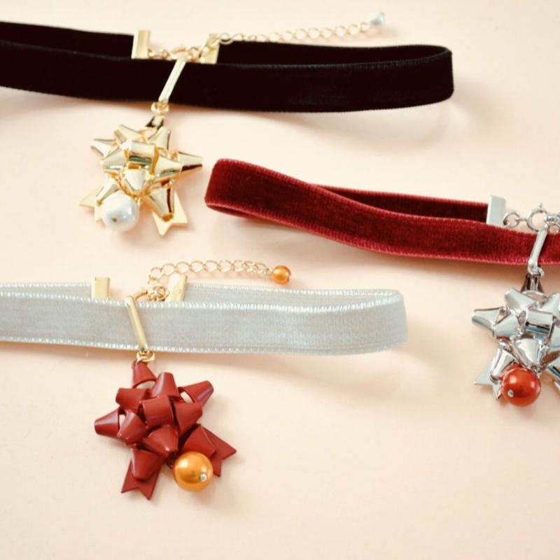gift ribbon choker