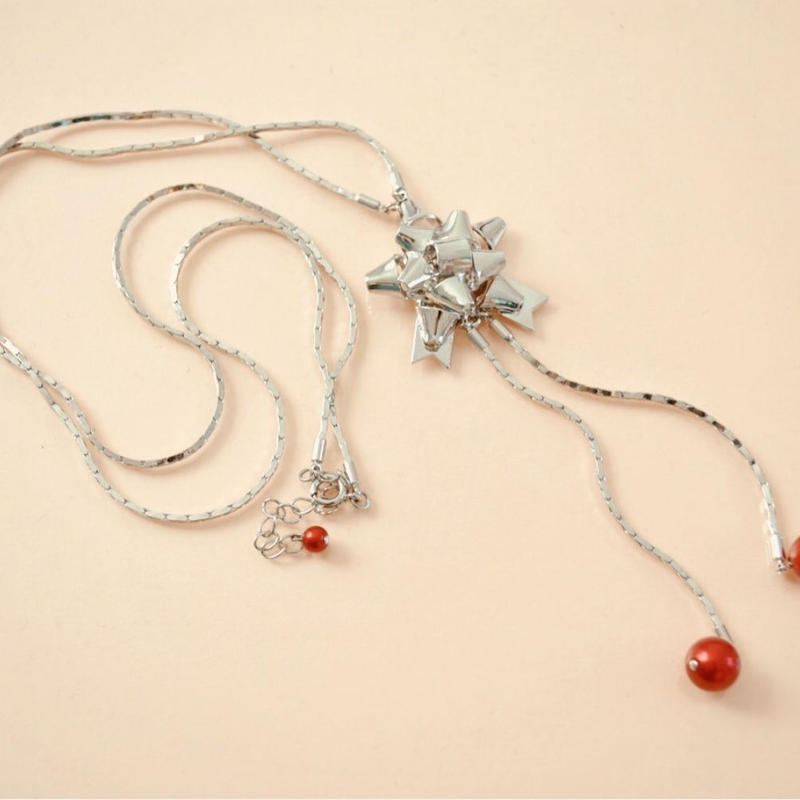 gift ribbon necklace