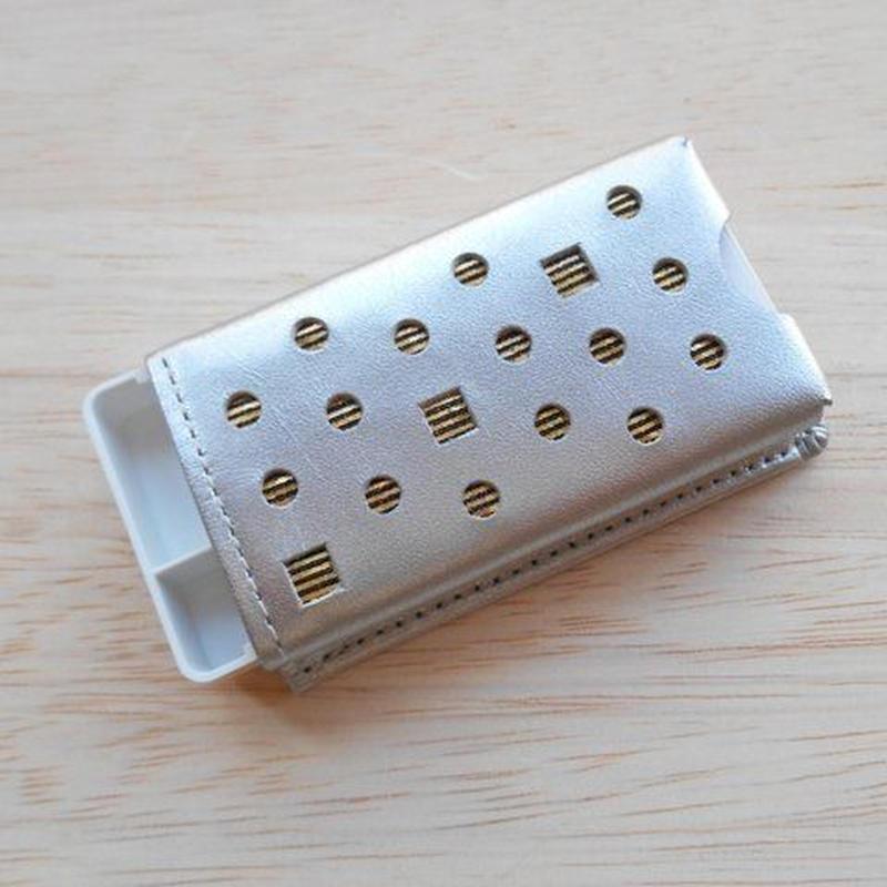本革製 フリスクケース シルバー ホログラム金