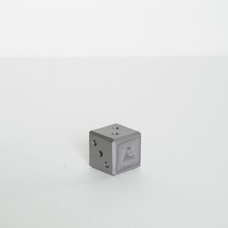 kawara dice / 瓦のサイコロ