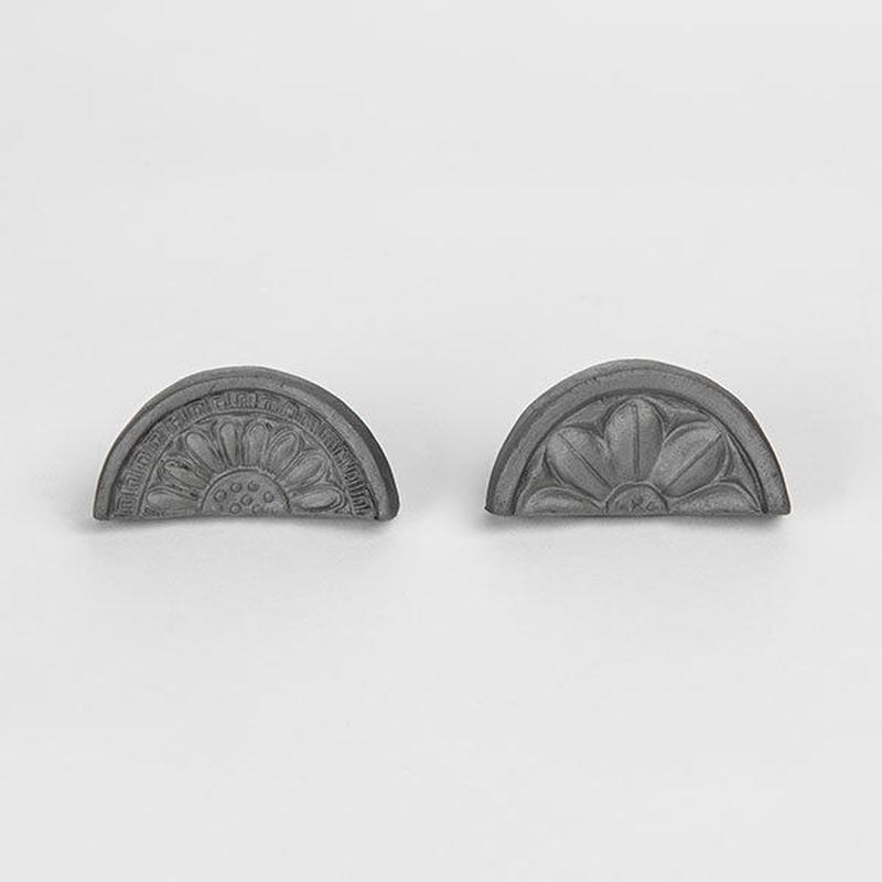 kawara kodai hashioki / 瓦の箸置き