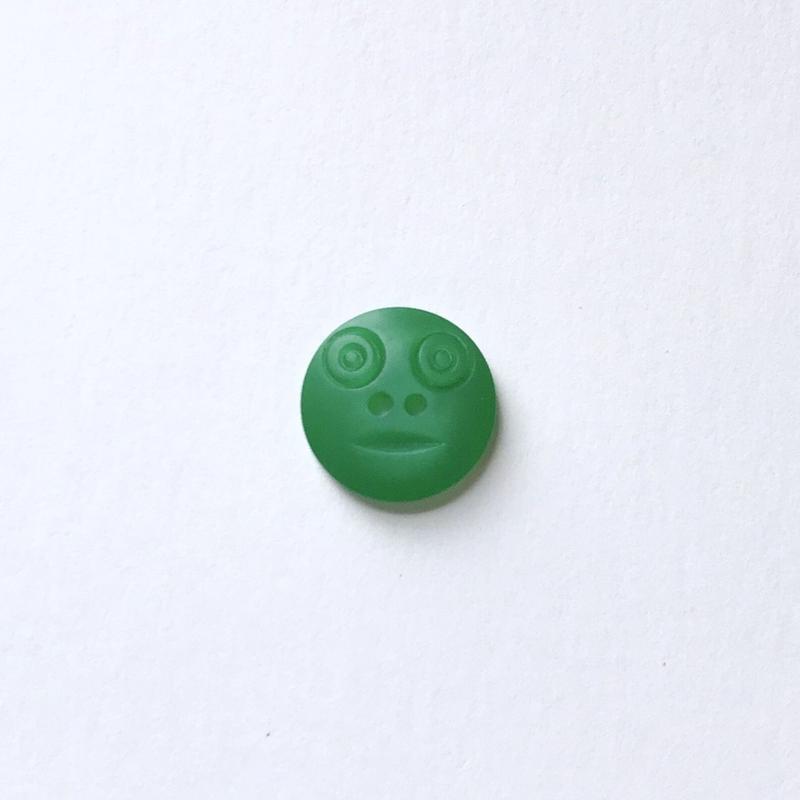 スマイルボタン  (Sサイズ エメラルド)