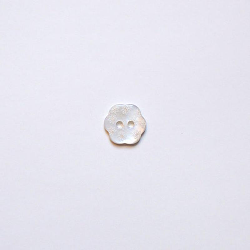 フラワー型シェルボタン 12mm (JB109179 ホワイト)