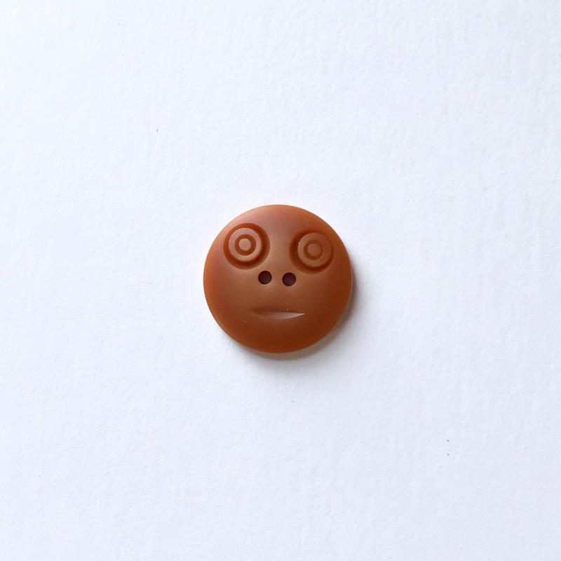 スマイルボタン ( Mサイズ キャラメル)